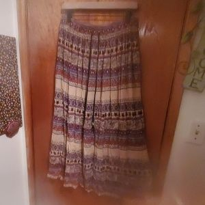 Beautiful maxi skirt with fun pattern